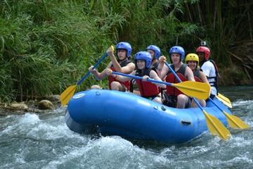 Aventura de rafting en Jamaica por el Rio Bueno