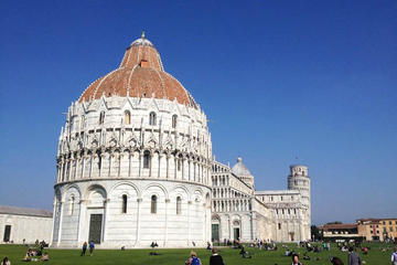 One day Pisa by Trenitalia from Rome with a Japanese Guide (including leaning tower entrance)