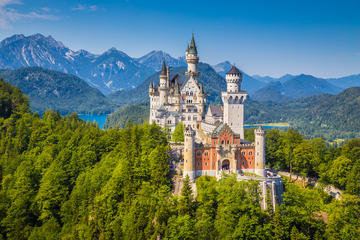 Neuschwanstein, Linderhof Full Day Sightseeing Tour from Munich - self guided tour (Japanese)
