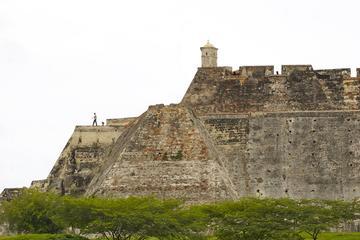 Excursão terrestre por Cartagena: Excursão pela história da cidade...