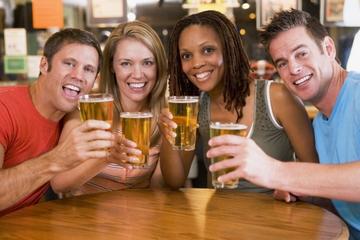 Experiencia nocturna en Bogotá: Tejo y recorrido de la cerveza