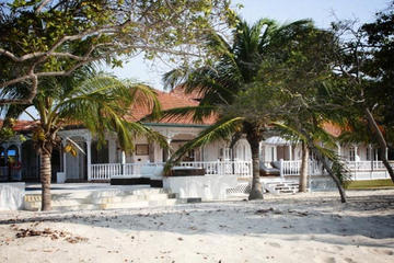 Full-Day Trip to Aguazul Beach Resort on Barú Island from Cartagena