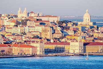Cruzeiro turístico pelo rio em Lisboa