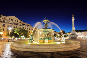 Lisboa à noite com jantar e fado em...