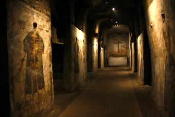 1-hour San Gaudioso Catacombs: Official Guided Tour