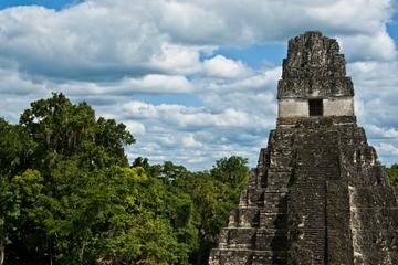 Excursión de un día a Tikal en avión...