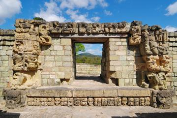 Tour con pernottamento a Copan e Quirigua da Antigua