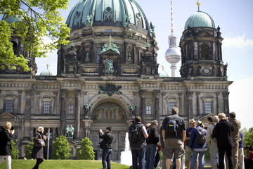 Berlin Walking Tour in Spanish the Highlights and Historical Sites