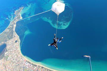 Skydive over Rockingham up to 15000ft