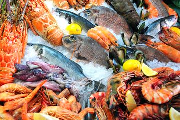 Tour in kleiner Gruppe in Shanghai: Fischmarkt und buddhistischer...