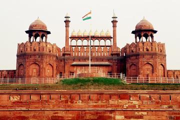 Besichtigung von Delhi: Hop-on-Hop-off-Bustour mit Audio-Video an Bord