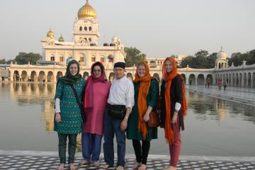 Delhi Evening Tour Including the Ancient Hanuman Temple and the Gurudwara Bangla Sahib