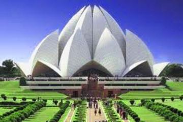 Excursión privada en Delhi: Templo del Loto, Qutub Minar y Dilli Haat