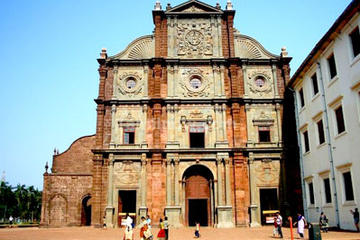 Private Portuguese Heritage Tour: Se Cathedral, Basilica of Bom Jesus...