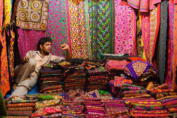 Shop until You Drop Jaipur Shopping Half-Day Tour