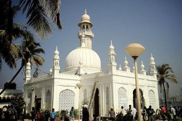 Spiritual trail in Mumbai with Dargah Tour