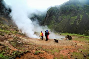 Aventura de senderismo y aguas termales en el valle de Reykjadalur...