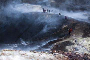 Isländische Vulkan-Wanderung im Tal Thorsmork mit Jeep-Transport ab...