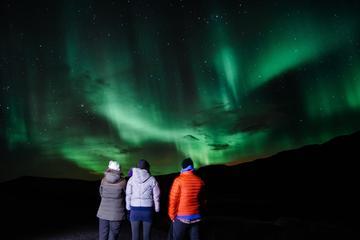 Norrskenstur från Reykjavik i liten grupp med superjeep