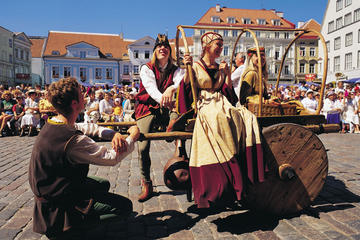 Tallinn Medieval Old Town Walking Tour And Beer Tasting