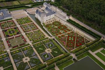 Small-Group tour to Chateau de Villandry with lunch at a private chateau from the town of Tours