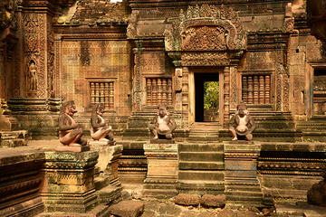 Banteay Srei, Pre Rup, and Ta Som Temples Tour from Siem Reap