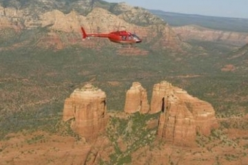 Passeio de helicóptero em Sedona: Red Rocks e a Capela da Santa Cruz