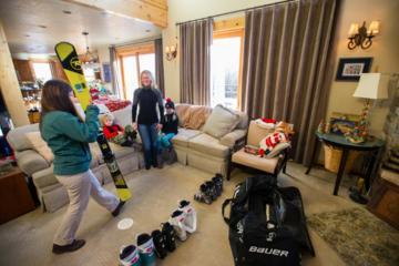 Day Trip Junior Snowboard Rental Package near Big Sky, Montana