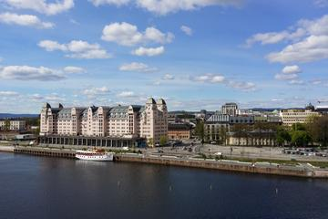 Oslo Walking Tour Including visit to Vigeland Park