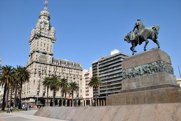 Excursão terrestre por Montevidéu: Excursão turística privada com...