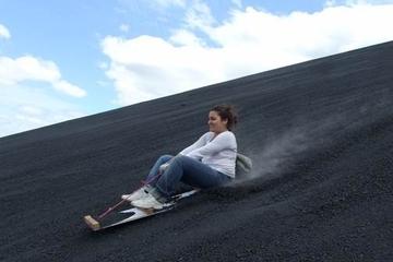 Excursão de sandboarding no Vulcão de...