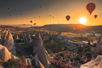 Vol en montgolfière en Cappadoce et...