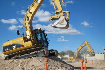 Dig This: terrain avec matériel lourd