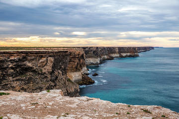 9-Day Port Lincoln to Perth Ultimate Nullarbor with Optional Shark...