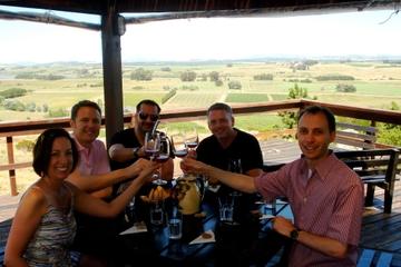 Excursão particular: Excursão para degustação de vinhos ao pôr do sol...