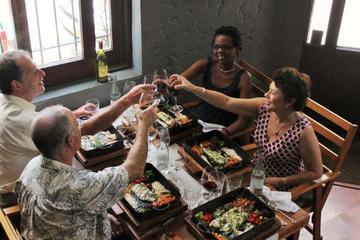 Excursão privada: Experiência de refeição e vinho saindo de...
