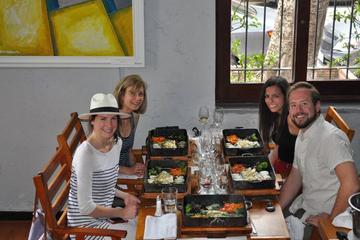 Visita privada: Experiencia con vinos gourmet y almuerzo de 3 platos...