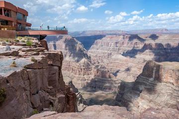 Passeio de um dia pela borda oeste do Grand Canyon em grupo pequeno...