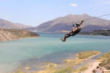Aventura em Tirolesa saindo de Mendoza no Vale Potrerillos