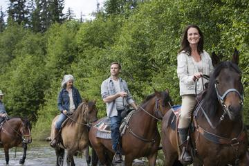 Excursión a caballo en Bariloche con...