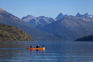 Recorrido en kayak desde el lago Moreno y el lago Gutiérrez desde...