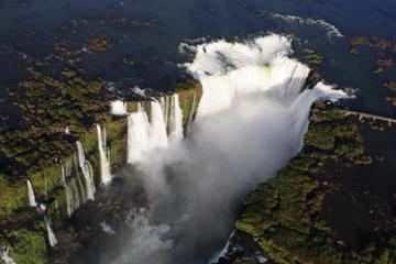 Tour mit 3Übernachtungen zu den Iguazú-Wasserfällen ab Buenos Aires.