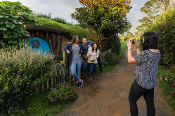Hobbiton & Waitomo Caves Small Group...