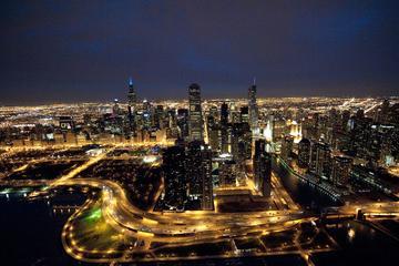 Recorrido nocturno en helicóptero en Chicago