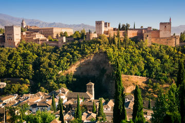 Malaga Tour: Alhambra and Generalife...