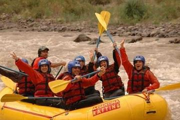 Aventura de rafting de medio día en el río Mendoza