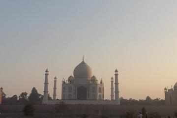 Same Day Agra Tour from Delhi including Taj Mahal and Agra Fort