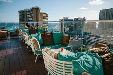 Waikiki City Views and Brews Bar Hop Small Group Tour