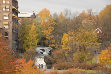 Fahrradtour am Fluss durch Oslo