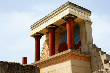 Crete: Minos' children, daily life in Knossos self-guided mobile tour